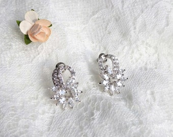 Wedding earrings, crystal bridal earrings, Bride chandalier Earrings, wedding jewelry, CZ earrings, bridal jewelry, AAA zirconia