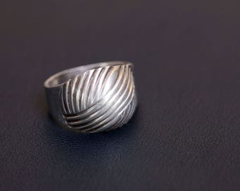 Sterling silver dome ring Made in USSR Size - 8 3/4