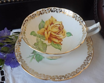 Golden Rose Teacup, Collingwood Teacup and Saucer, Large Yellow Rose, Gold Gilt and Gold Trim, Wide Mouth Teacup, Gold Footed,