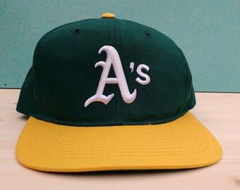 Vintage 90's Oakland Athletics Starter snapback cap youth