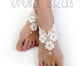 Ivory Lace Foot Jewelry. Barefoot Sandals. Lace flowers. Pearl Beads. Gold Foot Chain. Anklets. Beach Wedding. Bridal Accessory. Set of 2