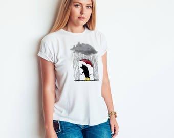 Funny Pig T-shirt for Women -  Rainy Day Pig Shirt - Funny Farm Animal Shirts - Piggy T-shirt - Pig Holding Umbrella Shirt - Farm T-shirt