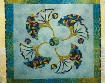 "Quilt pattern ""Dancing Gingkos"" applique - finished size 30"" x 30"""