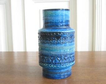 """Bitossi Vase from the series """"Rimini Blu"""" by Aldo Londi, Model 739"""