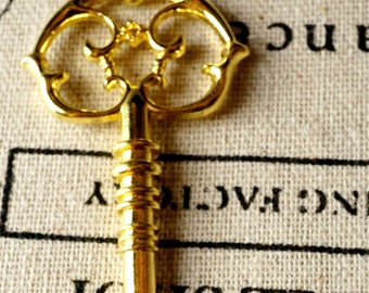 Key charm 2 gold vintage style  jewellery supplies C147