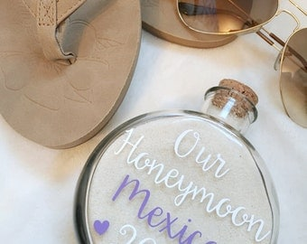 Honeymoon Sand Holder Keepsake//Honeymoon Keepsake//Honeymoon Sand//Sand Holder//Bridal Gift//Bridal Shower//Honeymoon Gift
