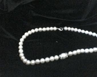 pearl necklace  with polimer clay pearl