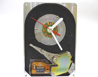 Recycled Computer Hard Drive Clock - Desk clock - Gift for Him - Geeky clock - unique gift - Cool HDD Clock