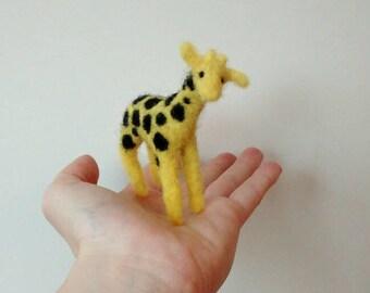 Mini giraffe, felted animals, felt miniature sculpture, figure, Africa, small gift, gift idea, gifts, African, wildlife