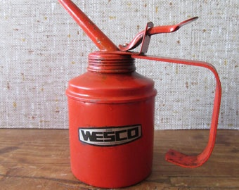 Wesco vintage trigger pump oil can full working order complete with oil! Red oil can industrial garage mechanic nostalgia prop 1960s