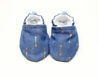Denim Baby shoes, Pre walker, soft sole, crib shoes, baby booties, baby moccs, baby girl shoes, denim with gold metallic arrows