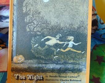 Night the Scarecrow Walked , 1979  , Natalie Savage Carlson ,  OOP