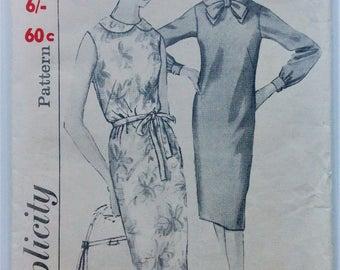 Vintage 1960's Simplicity sewing pattern 5452 - Misses' one piece dress with collar