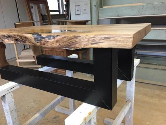 Tisch eichenholz mit gold und epoxidharz gestell lackiert - Epoxy tisch ...