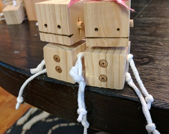 Small Wood and Rope Robots