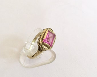 9ct Vintage Bezel Set Ring. A genuine original