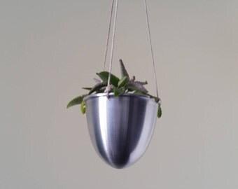 Handmade Aluminium Hanging Plant Pot/Planter