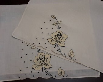 Vintage Tea Luncheon Napkins, Stitched flower napkins, table linens, guest napkins, special occasion napkins