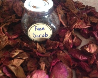 Rose garden sugar scrub- ginger- Rose pétal- grape seed oil-
