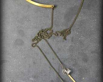 "Necklace ""The contortionist"" to wear also in the back"