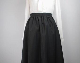 1980s Black Midi Skirt // Witchy Midi Skirt // Vintage Midi Skirt // Black Rayon Skirt // R&K Originals Skirt // Witchy Clothing