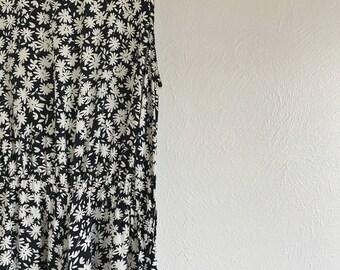 1970's Floral Midi Dress / W26-32