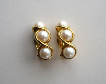 signed Richelieu earrings . 3 faux pearls on bright gold . 1980s clip on earrings . designer costume jewelry . bride earrings