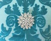 Rhinestone Brooch.Crystal Brooch.Flower Brooch.Wedding Accessory.Vintage Style.Rhinestone Pin.Crystal Pin.Broach.Silver Pin