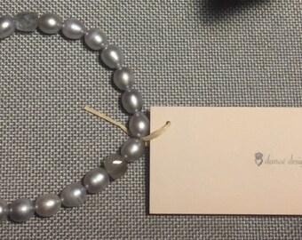 Grey freshwater pearl & Labradorite stretchy bracelet