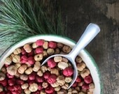 5 Cups – Natural and Burgundy Red Mix Putka Pods