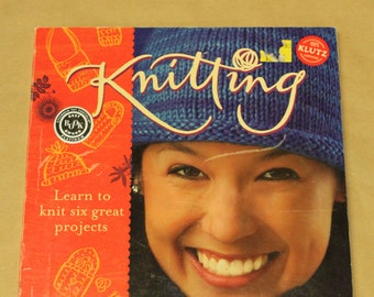 Knitting by Anne Akers Johnson - 100% Klutz Certified - Knitting Book / Learn to Knit Book / Knitting Instructions / Klutz Knitting