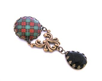 Scottish Tartan Jewelry  - Ancient Romance Series - Bruce Hunting Clan Ornate Filigree Brooch w/Onyx Black Glass Gem