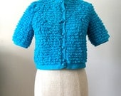 Vintage 60s Loopy Cardigan Sweater Top S Cropped with short sleeves in blue
