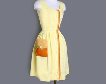 1950's Sweet Yellow Floral Pocket Vintage Day Dress - M