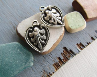 Antiqued silver pendant  , ethnic ornate leaf design,  metal casting drop  , silver plated antiqued  / pewter tone 21mm ( 2 pcs ) 7As4412