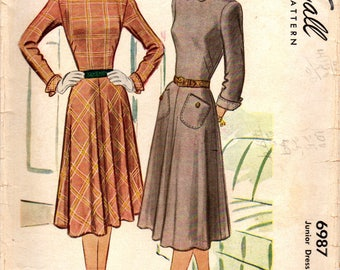 1940s McCall 6987 Vintage Sewing Pattern Junior Dress, One Piece Dress, Size 13 Bust 33