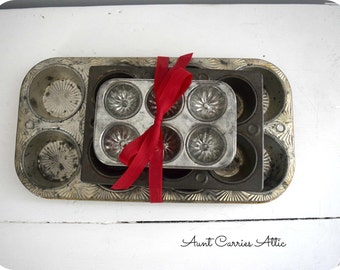 Muffin Tins Set of 4 Primitive Kitchen Decor Primitive Tinware Farmhouse Kitchen Wall Decor