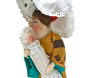 DUCHESS with baby collectible Gladys Boalt Christmas ornament signed soft sculpture ornament . holiday decoration . Alice in Wonderland 1985