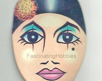 Art Deco PAPER DOLL HEAD - Vintage nice colorful make up - 2 different Lipstick colors -on wood stick - Collector piece - Good Condition