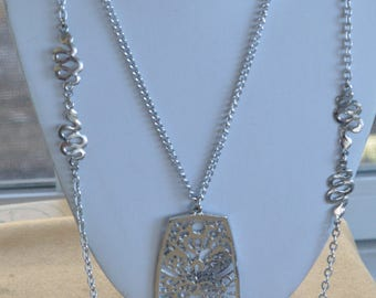 "Pretty Vintage Silver tone Filigree Pendant Double Strand Necklace, 24"", 35"" (AQ10)"