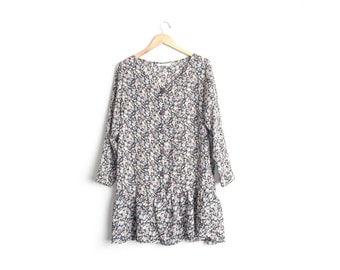 Size XL // SHEER FLORAL Dress // Long Sleeve - Button-Front - Collarless - Drop Waist - Vintage '90s.
