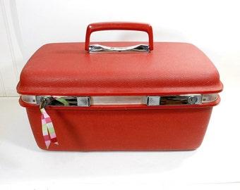 Vintage Red Train Case / Aspen Samsonite JCPenney / Travel Hardshell Vinyl Luggage With KEY / Cosmetic Case / Full Mirror / Makeup Bag