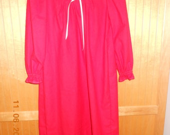 Size 7 Christmas red nightgown