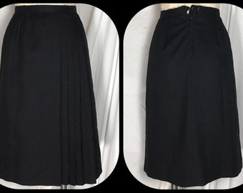 1970s Evan-Picone Black Knee Length Skirt with Side Pleats - Size 4