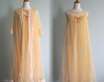 Pretty 60s Peach Chiffon Robe and Matching Nightgown - Vintage Chiffon Peignoir Set - Vintage 1960s Robe and Night Gown M