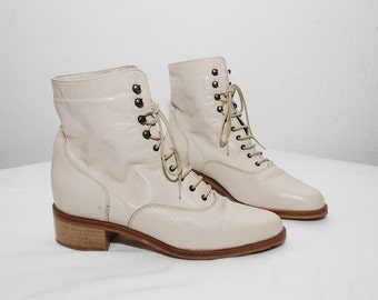 80s 90s cream white leather boots. lace up boots. white ankle boots. granny boots - eur 36, us 6, uk 3