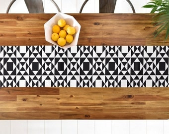 Black and White Geometric Table Runner // Table Linens // Kitchen Decor // Rhythm Design // Tribal Pattern // Table Decoration // Modern Geo