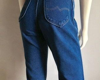 Vintage Women's 70's Wrangler Jeans, High Waisted, Tapered Leg (M)