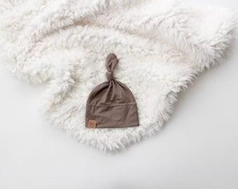 Latte knot beanie | newborn beanie | newborn hat | infant beanie | baby's firt hat | newborn gift | new baby essentials | 0-3 month