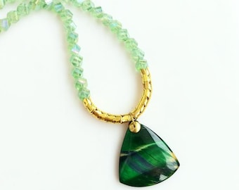 Beaded Agate Necklace, Short Statement Necklace, Emerald Green Stone Necklace, Agate Slice Geode